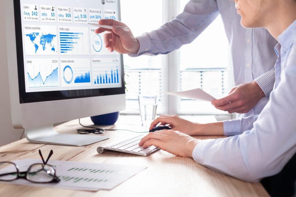 Phân tích và thực hiện tiêu chuẩn SEO dựa trên insights của đối tượng mục tiêu